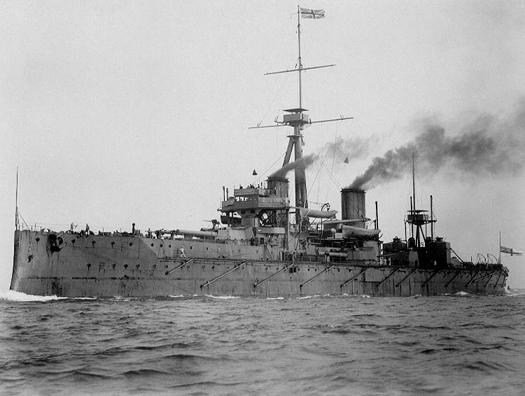 HMS Dreadnought underway, circa 1906-07
