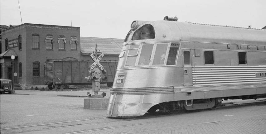 The Burlington Zephyr in 1939 (via Retronaut)