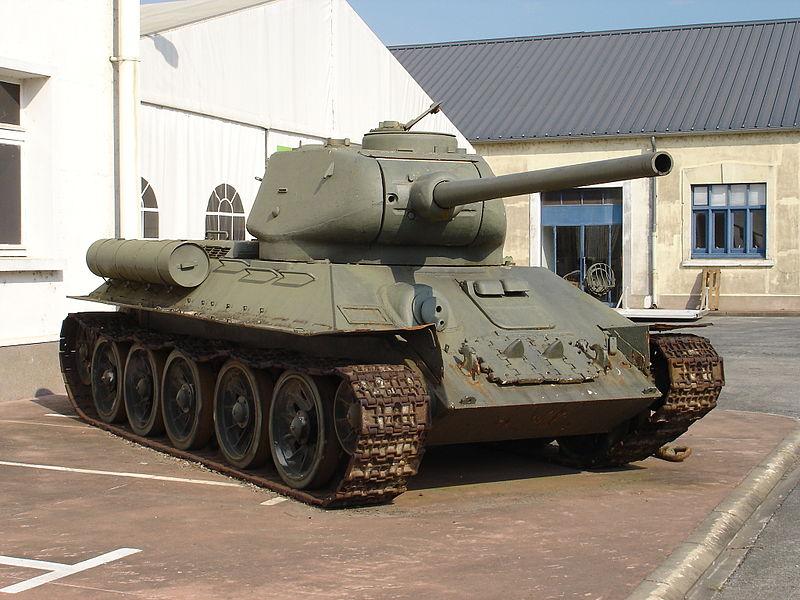 T-34/85 at musée des blindés de Saumur (via Wikipedia)