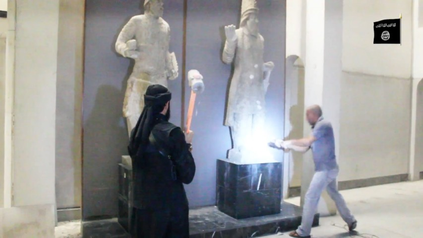 ISIS destroys archaeological works 4