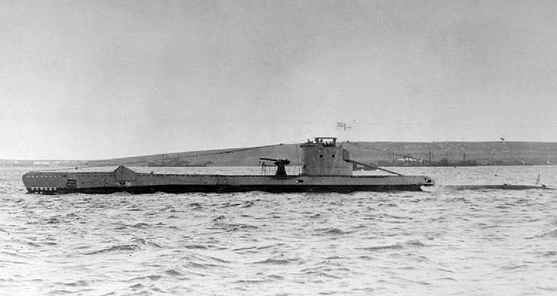 British U class submarine HMS URGE underway. (via Wikipedia)