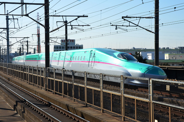 Bullet train sports big nose to cure big noise ...